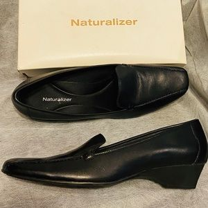 Naturalizer Women's Leather Shoes slip on mules